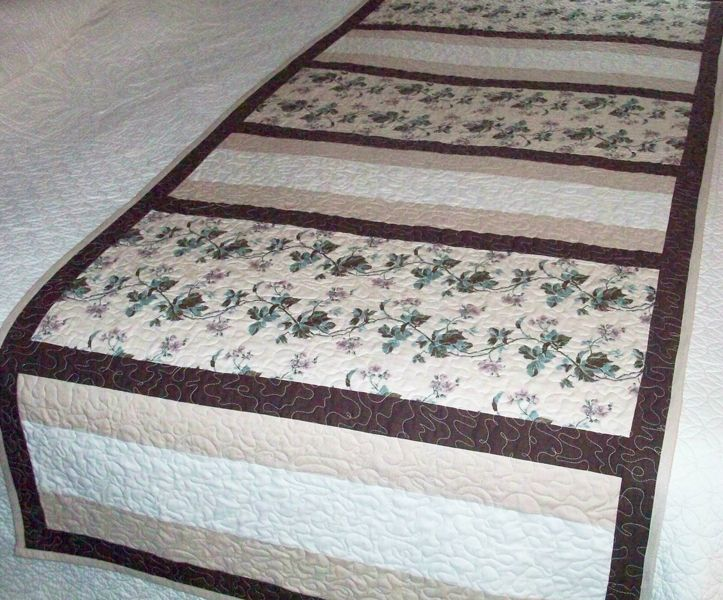 Fit for a King (or Queen) Bed Runner Pattern AV-139 (easy, houseware)