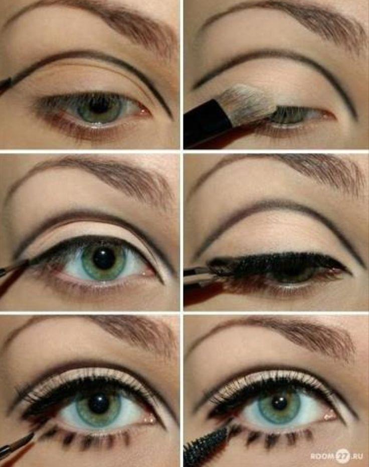 Twiggy's trademark eyes                                                       …