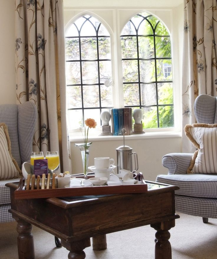 Relax with tea and coffee in the Manor House Hotel