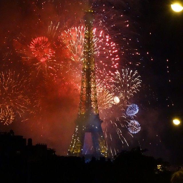 14 juillet à Paris :ouvert ? fermé ? Le Défilé militaire,Le feu d'artifice,Les bals des pompiers
