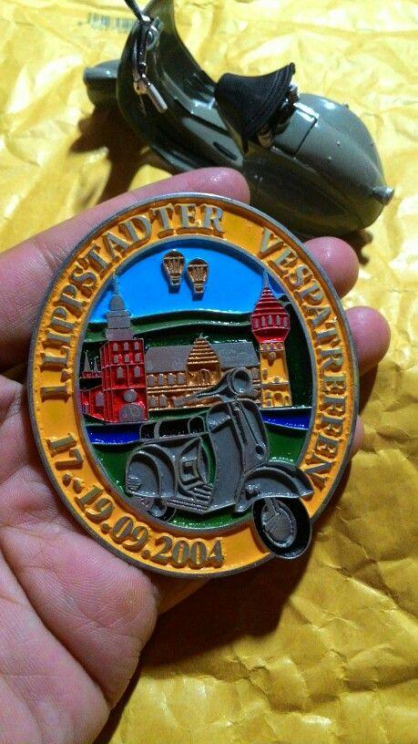 Badge placca vespa traffen 19.09.2004 Size. 6.5 t0 7.8cm