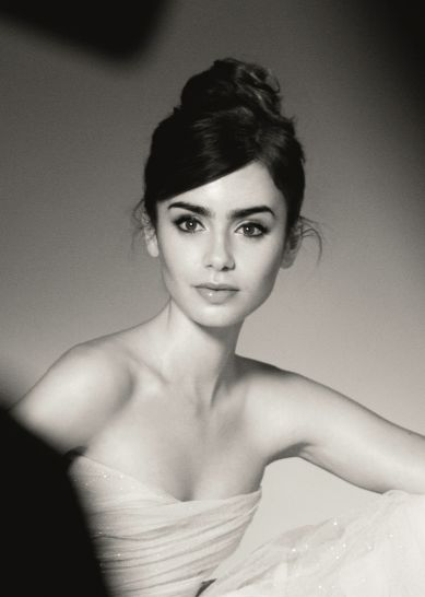 Lily Collins bold brows and ballerina bun. She reminds me of Audrey Hepburn, gorgeous!