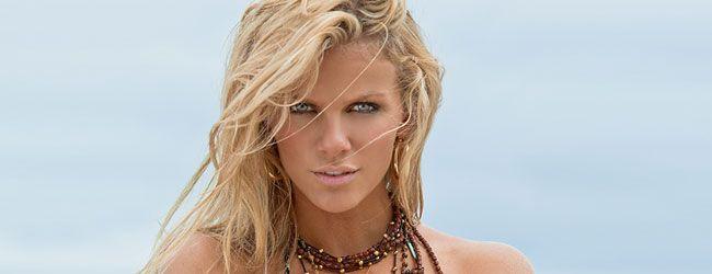 Esta semana te traemos a la indiscutible reina de las Tennis Babes, Brooklyn Decker, la modelo de bikini estadounidense y esposa del afortunado ex No. 1 mundial Andy Roddick que engalanó la portada del Swimsuit Issue de la prestigiosa revista deportiva Sports Illustrated en 2009 y 2010.