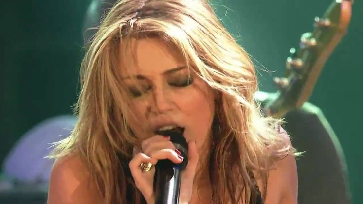 Miley Cyrus - Every Rose Has Its Thorn (Live at House of Blues - MTV Con... I actually liked this performance. She should have kept this image.