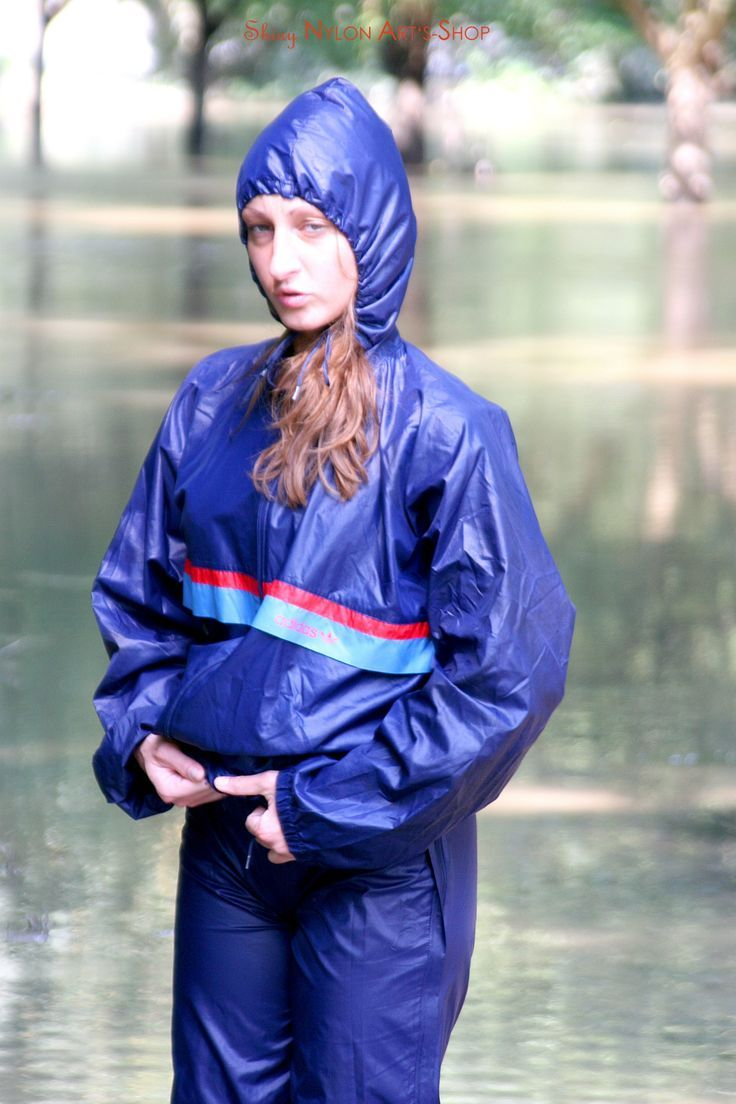 shiny nylon | Regenkleidung - Nylon | Rain suit, Rain wear ...