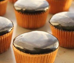 Pour apporter une touche de décoration professionnelle à vos gâteaux (  opéra, sachertorte .