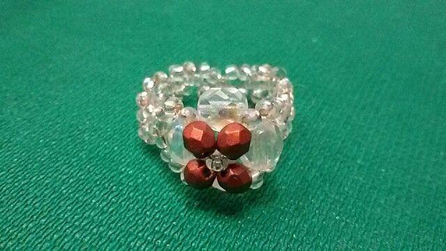 Anello perline e mezzi cristalli color rame