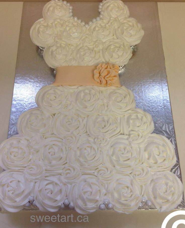 Cake Decorating Ideas Bridal Shower : 25+ best ideas about Wedding dress cupcakes on Pinterest Bridal shower cupcakes, Wedding dress ...