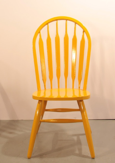 Bits n' pieces - yellow chair