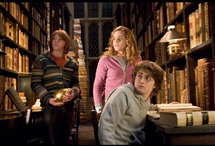 Pin Von Elise Julian Auf Harry Potter Harry Potter Und Der Feuerkelch Harry Potter Bibliothek Feuerkelch