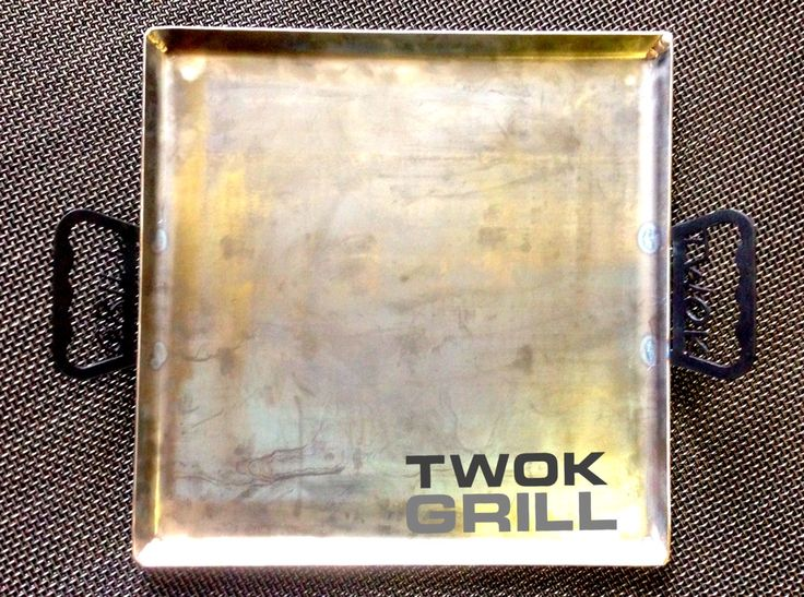 "Twok ""Flat Top"" Grill  Made from a of sheet  20""x20"" carbon steel, this Flat Top griddle will last you a lifetime"
