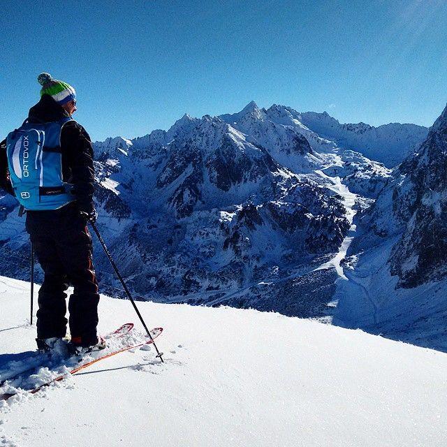 Neige et soleil à Grand Tourmalet par @tmax65. Vous aussi pendant les vacances partagez vos images avec #TourismeMidiPy #Pyrenees #Ski #Holiday #France #tourism #MidiPyrenees #travel #montagne #mountain