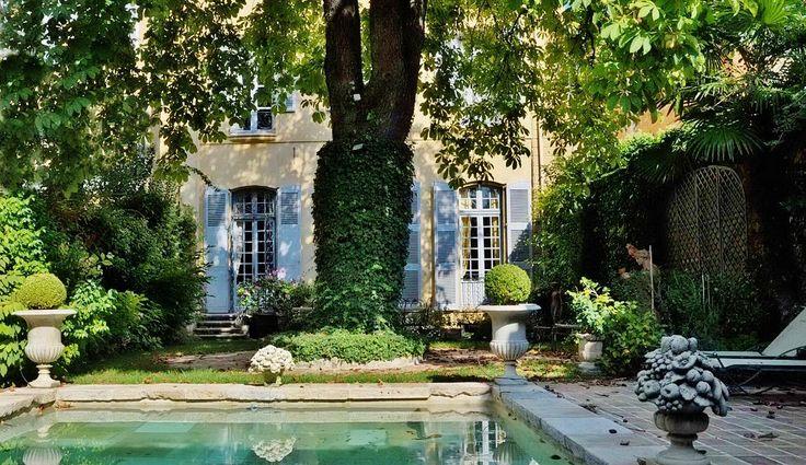 H tel particulier c t jardin quartier mazarin aix for Jardin mazarin