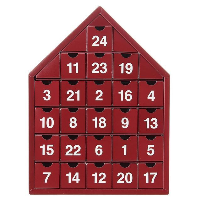 アドベントカレンダー 24種類のお菓子│ADVENT CALENDAR 扉を開けると、今日はどんなお菓子が出てくるでしょうか。 Can't wait for Christmas! #muji #無印良品 #xmas #christmas #クリスマス #adventcalendar