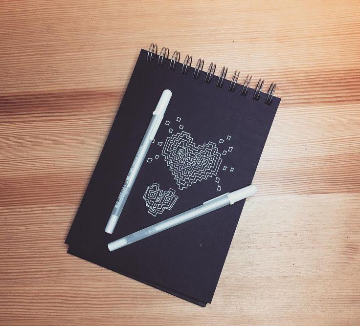 Давно мечтала о скетчбуке из чёрной бумаги Моя черно-белая любовь на всю жизнь! #fabriano