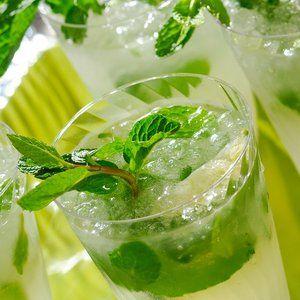 Sparkling lemon-limeade. Refreshing drink for St. Patrick's Day.
