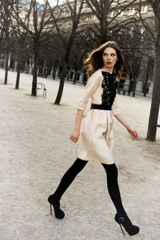 B Christian Dior: Shoes, Black Lace, Fashion Weeks, Dior Pre Fal, Christiandior, Black And White, Christian Dior, Black Tights, The Dresses