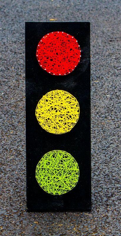 Traffic Light String Art by NailedItDesign on Etsy