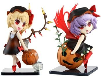 quesQ Touhou Project Remilia Scarlet & Flandre Scarlet Action Figures These Remilia Scarlet & Flandre Scarlet action figures are a must-have item for Touhou Project fans. It is made of PVC and makes a great desk decoration for your room or office.