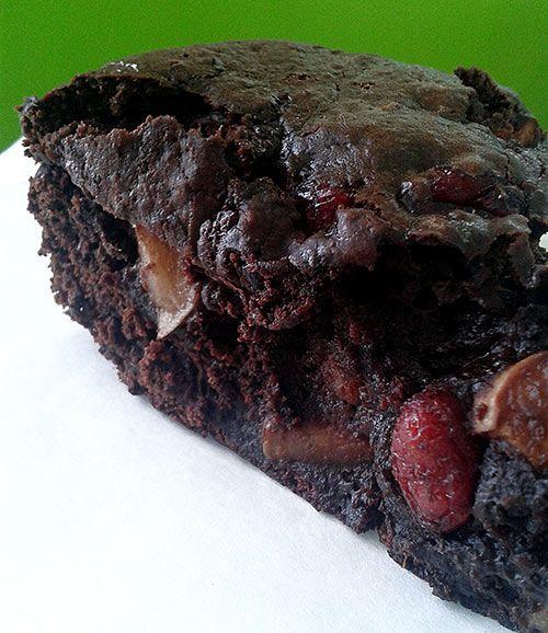 """Il est terriblement bon! On a pas l'impression qu'il est """"santé"""". brownies-pommes-canneberges-sans-sucre-sans-gras"""