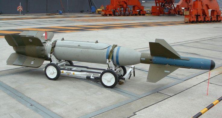 FDRA - Fuerza Aérea: LGB: GBU-24 Paveway III (USA)Pesos: Peso Máximo 944 kg (2,081 lb), Cabeza de combate 429 kg (946 lb)   Performance: CEP 9 m (30 ft), Máximo alcance 19,000 m (62,336 ft)   Operadores: Francia, España, Reino Unido, Estados Unidos de América