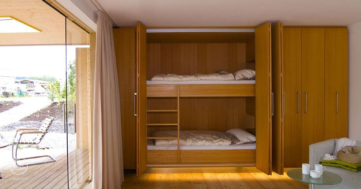 Bungalows on pinterest for Bett schrank