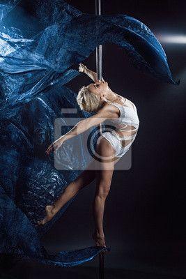 """Canvas eller Poster """"idrott, fitness, Smal - pole dance kvinna med blå sidentyger"""" ✓ Enkelt montage ✓ 365 dagars öppet köp ✓ Se andra mönster från kollektionen!"""