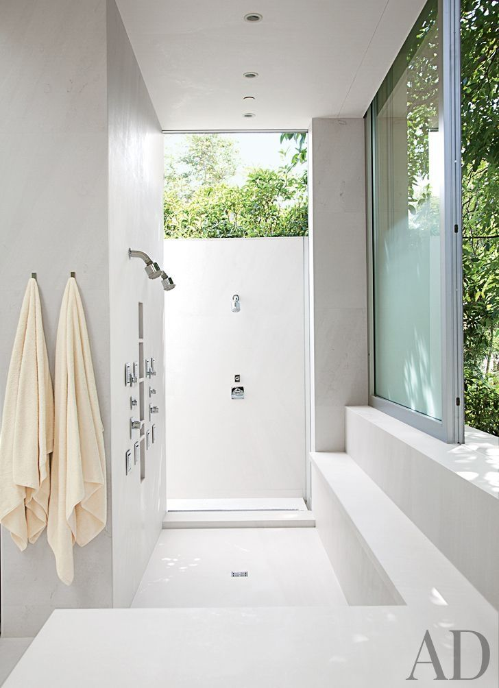 Modern Bathroom by Unique Custom Interiors and Lehrer Architects LA in Los Angeles, California