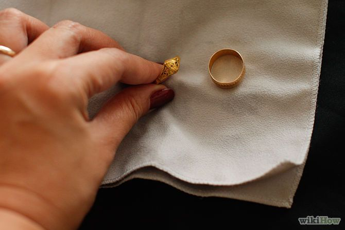 Clean Gold Jewelry