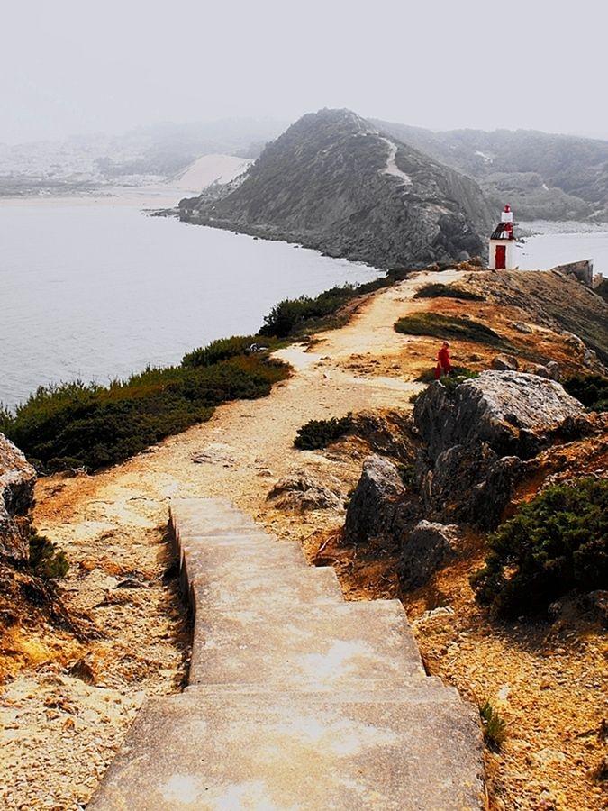 """""""O caminho para o farol"""" S. Martinho do Porto"""