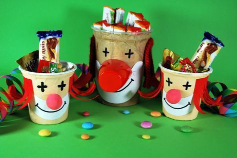 Clowns aus Joghurtbechern - Kinderspiele-Welt.de