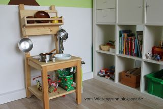 Kinderkuche kid39s play kitchen upcycling ikea hack for Spielküche selber bauen