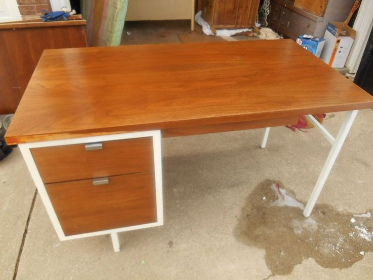 Rare Robert John NY Mid Century Modern Walnut Top Desk George Nelson Style