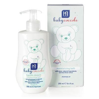 Babycoccole Пена для ванны увлажняющая 250 мл  — 490р. ---------  С чистыми натуральными ингредиентами и экстрактом из цветов лотоса.  Описание и основные ингредиенты увлажняющая и смягчающая пена для ванн, созданная с заботой о нежной коже особенно подходит для чувствительной кожи новорожденных и маленьких детей расслабляет и защищает кожу, благодаря чистым и натуральным ингредиентам, таким как бетаглюкан овса, витамин F из льняного масла содержит нежный экстракт из цветов лотоса белая как…