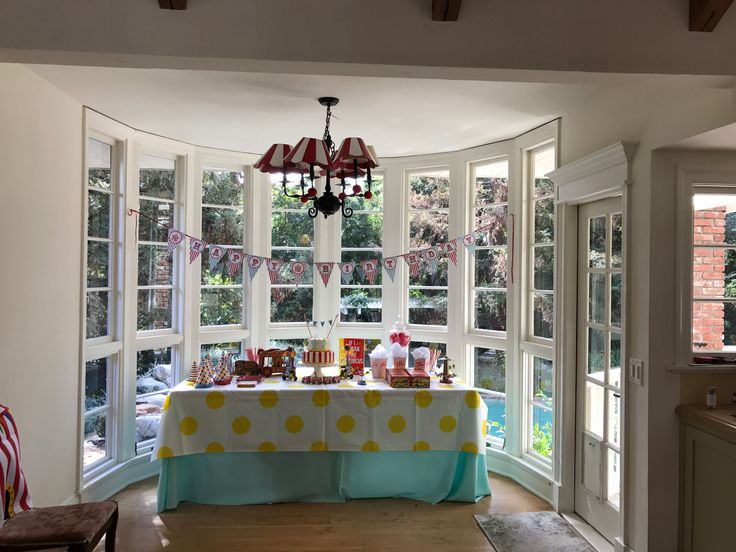 Focal dessert table for a baby boy's first birthday party. Welcome to the circus.
