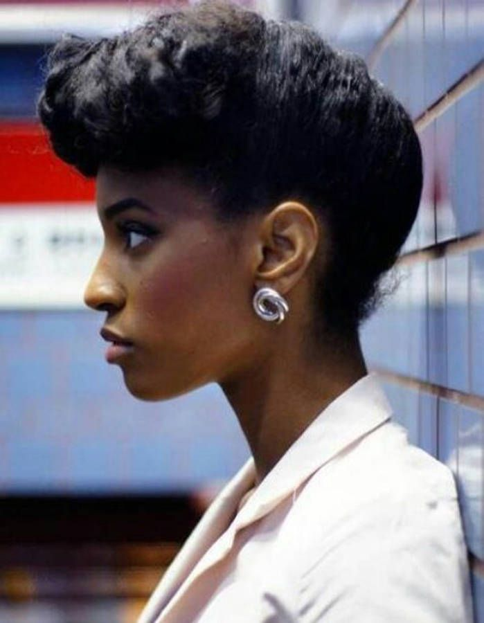 17 best images about short afro haircut on pinterest coupe coupes courtes and short curly afro - Coupe afro femme ...