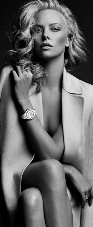 HAUTE♔FEMALE : Charlize Theron