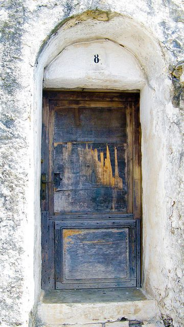 Trulli door,Alberobello, (Puglia) Italy. Photo by Claudio.