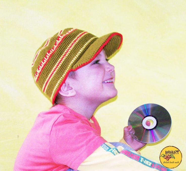 Chłopiec w czapce szydełkowej, Lothlory