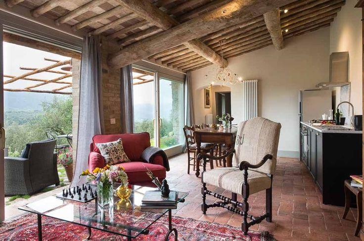Casa Emilio. Montestigliano Farmhouse | Photo © Francesca Pagliai [Living - Salotto]