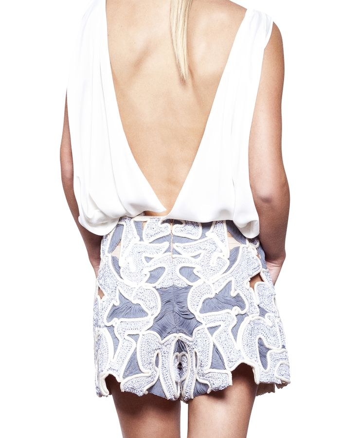 Iris Cantabri // French TOP FLOWY White With Folded Détails