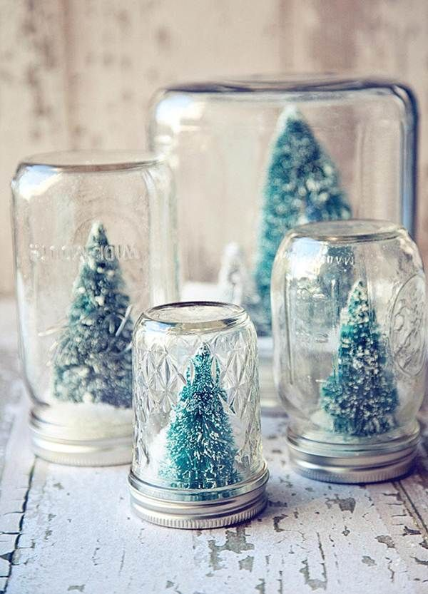 Adornos navideños con frascos de vidrio