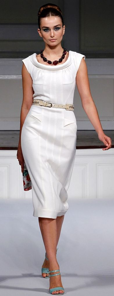 Spring 2011 Ready-to-Wear Oscar de la Renta