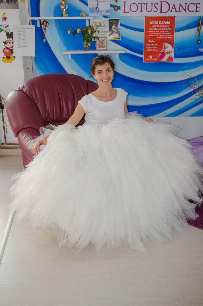 http://www.lotusdance.ro/cursuri-de-dans-pentru-nunta/ Cursuri dansul mirilor