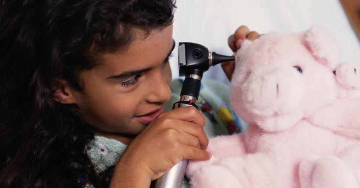 Como fazer um rabo de porco para um bicho de pelúcia. Animais de estimação e crianças podem desgastar rapidamente um bicho de pelúcia, e a cauda é muitas vezes a primeira coisa a sair. Você pode substituí-la em um porco de pelúcia ou fazer um rabo de uma criação original usando retalhos de tecido e algumas técnicas básicas de costura.