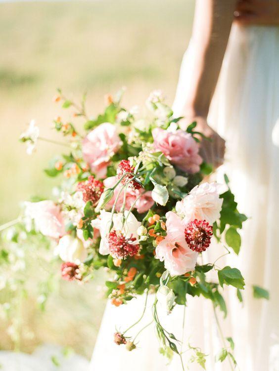 Lisianthus, scabiosa + nigella bouquet: http://www.stylemepretty.com/2016/05/26/how-to-make-a-summer-bouquet/