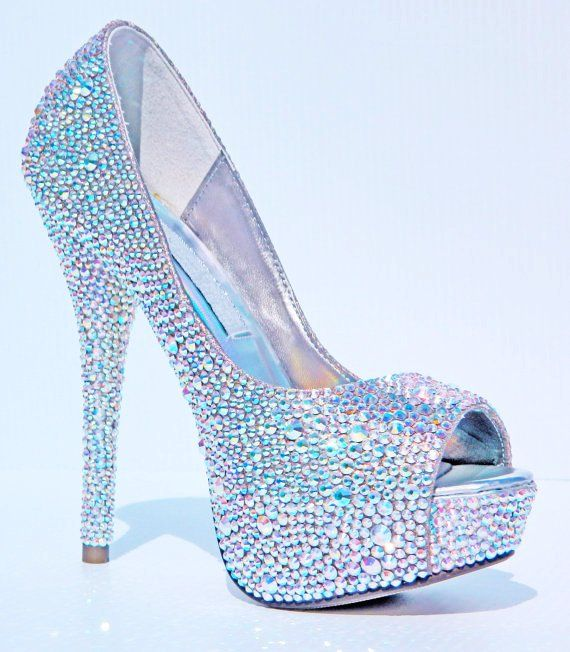 Glitter Crystal High Heels ~ shoe bling.  I could totally rock these!