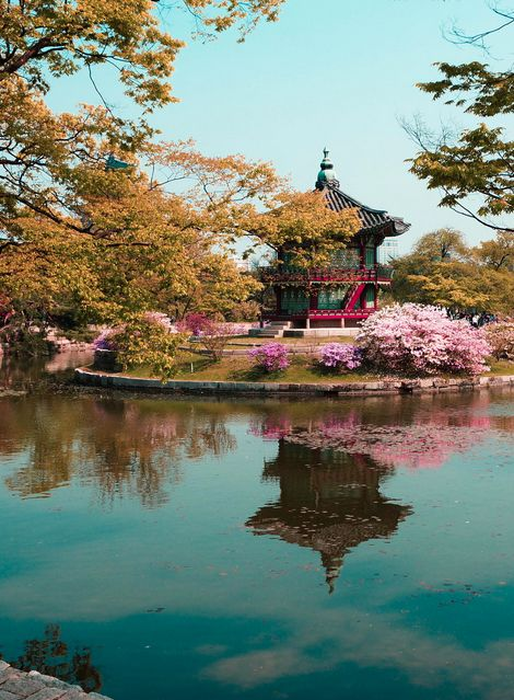 westeastsouthnorth:      Gyeongbokgung Palace, Seoul, South Korea