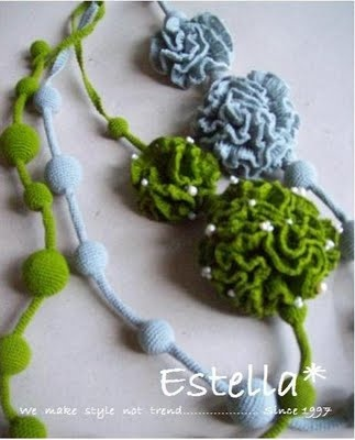 Hande crochet with big flower nice of necklace....You can take the order for colours too.  Made in Tahiland.  $40.00