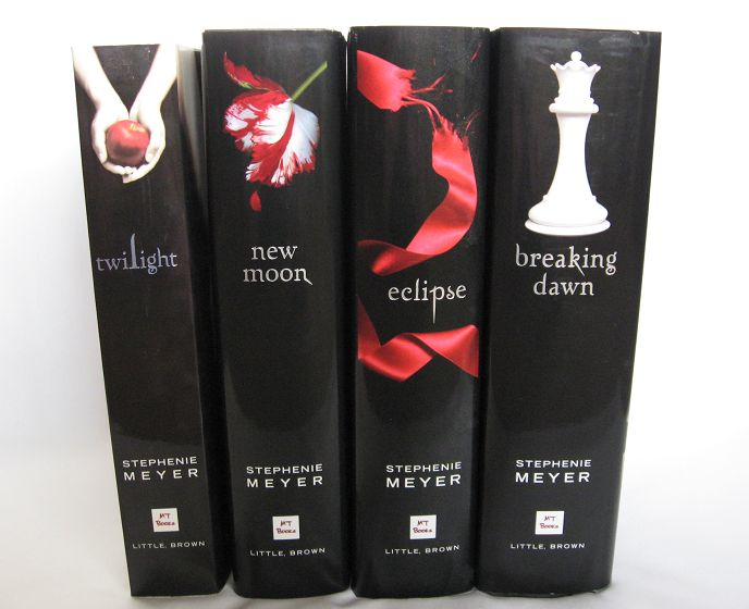 Twilight Saga 4 Book Set Twilight New Moon Eclipse Breaking Dawn Vampires Books
